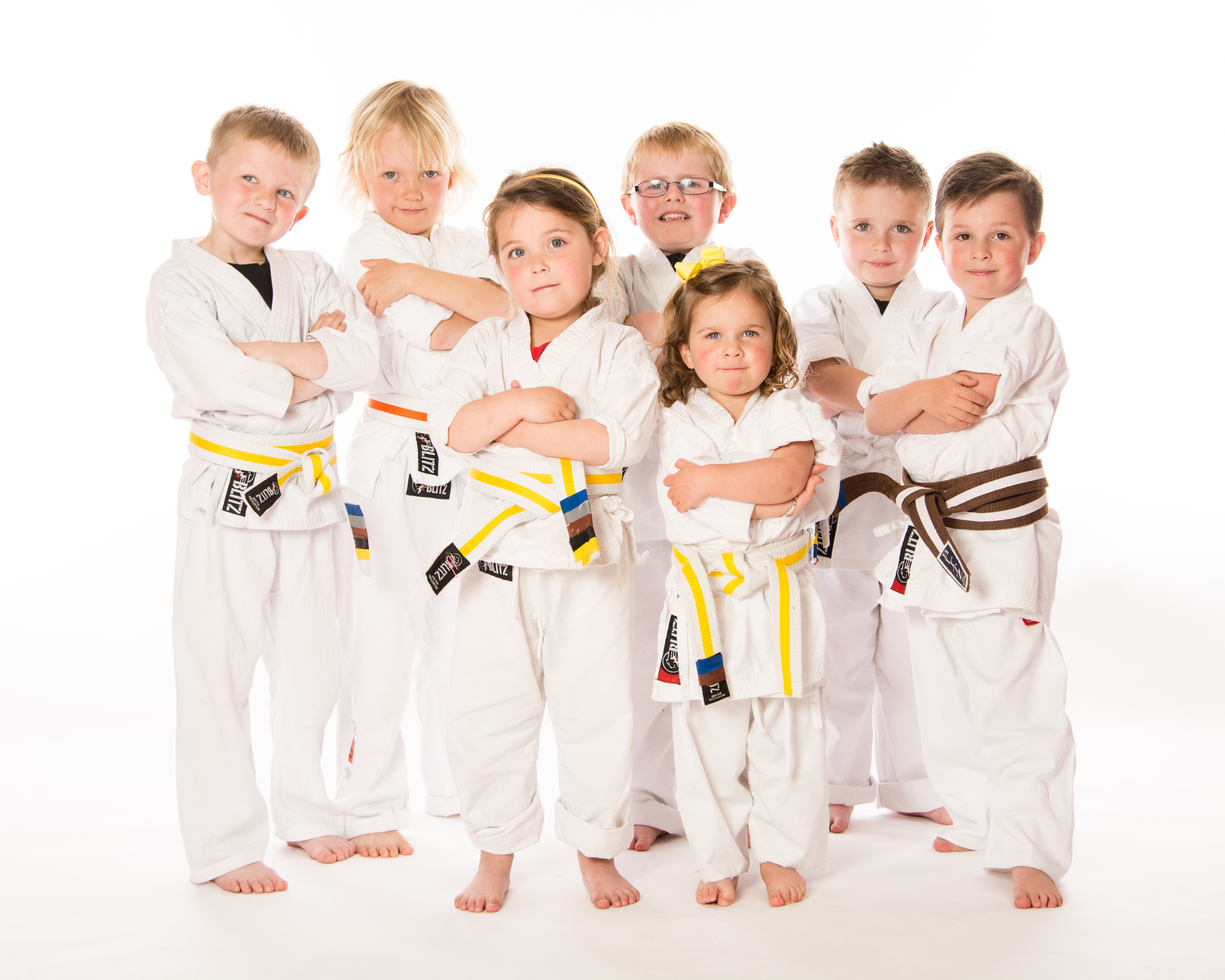 benefits of karate Benefits for adults martial arts training for adults is the only program that strengthens all aspects of your health and fitness, makes you mentally stronger and teaches you how to protect yourself and your loved ones - and it has been for thousands of years.